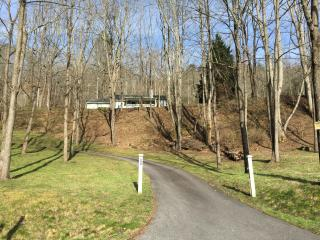 Mountain Views, Paved Drive, Peaceful Retreat - Franklin vacation rentals