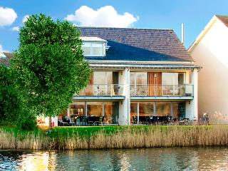 Reeds, 25 Clearwater Lower Mill Estate - Somerford Keynes vacation rentals