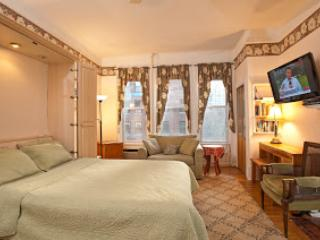 Studio w/ kitchenette and private bath - New York City vacation rentals