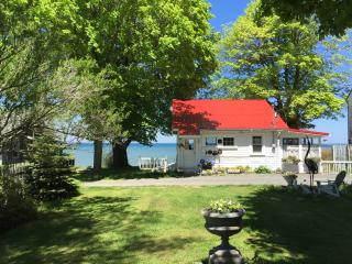 waterfront cottage, Lake Ontario, NY - Lyndonville vacation rentals