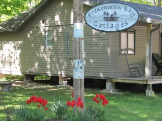 Comfortable 3 bedroom Cottage in Sauble Beach with Internet Access - Sauble Beach vacation rentals