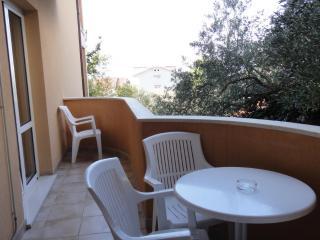 Bright 1 bedroom House in Tucepi - Tucepi vacation rentals