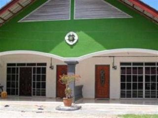 Comfortable House with Internet Access and Balcony - Ayer Hangat vacation rentals