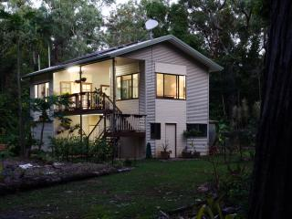 Bright Condo with Internet Access and Garden in Cow Bay - Cow Bay vacation rentals