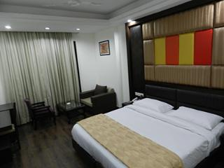 Nice Guest house with Internet Access and A/C - Gurgaon vacation rentals