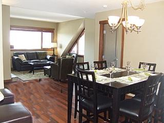 New BookCanmore.com property!  Beautiful Mountain Getaway! - Canmore vacation rentals