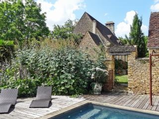 Charming house with swimming pool - Saint-Amand-de-Coly vacation rentals