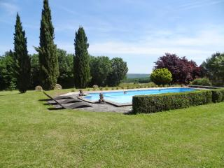 Spacious house with swimming pool - Saint-Amand-de-Coly vacation rentals