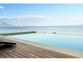 Amazing seafront setting. Infinity view pool. - Sumartin vacation rentals