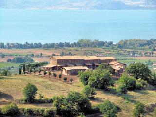 Agriturismo Via Francigena - Ap 1,  4 sleeps - - San Lorenzo Nuovo vacation rentals