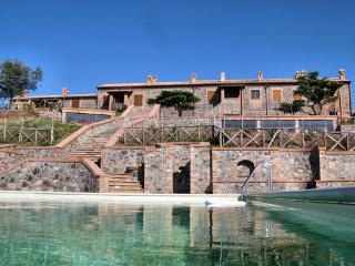 Agriturismo Via Francigena - Ap 2, 2 sleeps - - San Lorenzo Nuovo vacation rentals