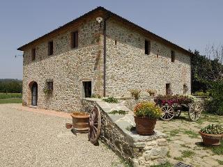 Beautiful 5 bedroom Villa in Levane - Levane vacation rentals