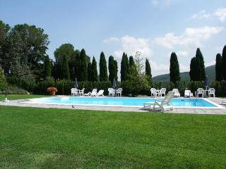 Santa Maria Del Giudice - 29001 - Santa Maria del Giudice vacation rentals