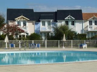 Maison 5 pers au sud face au golf & piscine - Talmont Saint Hilaire vacation rentals