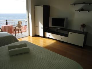 Comfort two Bedroom with Balcony and View! - Dubrovnik vacation rentals