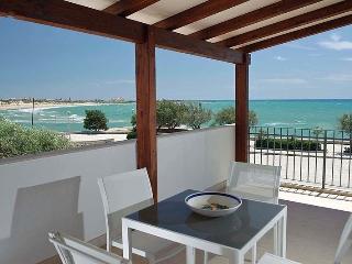 Bright 2 bedroom Vacation Rental in Marina Di Modica - Marina Di Modica vacation rentals