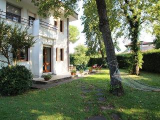 Cozy 3 bedroom House in Forte Dei Marmi - Forte Dei Marmi vacation rentals