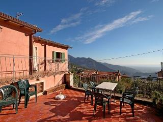 Beautiful 2 bedroom Vacation Rental in Seravezza - Seravezza vacation rentals