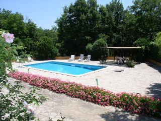 Beautiful 4 bedroom Villa in Baschi - Baschi vacation rentals