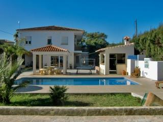 Strandnahe Villa mit Pool, Jacuzzi & Tennisplatz - Denia vacation rentals