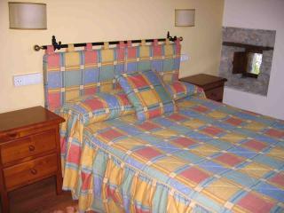 Romantic 1 bedroom Llanes Condo with Television - Llanes vacation rentals