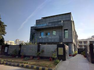 23 bedroom Guest house with Elevator Access in Gurgaon - Gurgaon vacation rentals