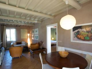 Meacci - Three rooms apartment for 4 people - Braccagni vacation rentals