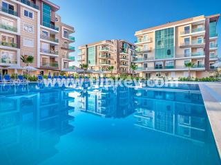 Luxury 4BR apartments with big pool, hammam and sauna at Moonlight Residence - Antalya vacation rentals