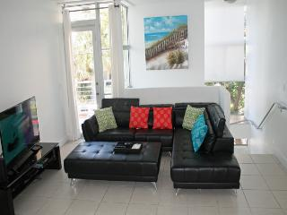 Miami Beach contemporary Townhome - Miami Beach vacation rentals