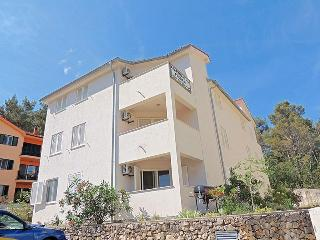 060202 Nice apartment close to beach - Soline vacation rentals