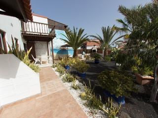 Comfortable Bungalow with Internet Access and Wireless Internet - Parque Holandes vacation rentals