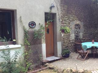 Perfect Gite with Satellite Or Cable TV and Microwave - Saint-Julien-le-Petit vacation rentals