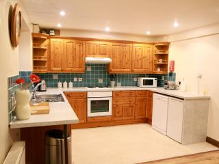 Cotswolds Holiday Cottage Sleeps 5 - Halford vacation rentals