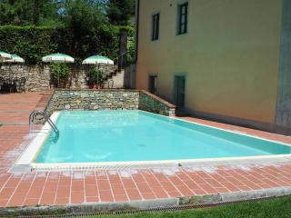 Comfortable Condo in Greve in Chianti with A/C, sleeps 6 - Greve in Chianti vacation rentals