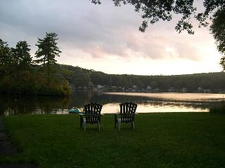 Brimfield Lakeside Home - Brimfield vacation rentals