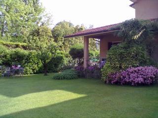 Villa al mare con giardino - Marina Di Pietrasanta vacation rentals