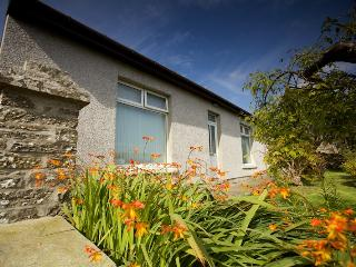 Bright 3 bedroom Stromness Cottage with Internet Access - Stromness vacation rentals