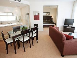 Cozy 2 bedroom Condo in Torquay with Internet Access - Torquay vacation rentals