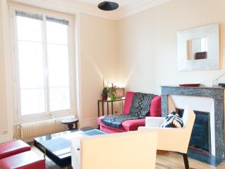 Renovated 2BR & 4 guests- near Montmartre - Paris vacation rentals