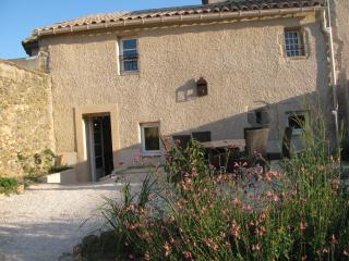 Domaine de Puychêne - Marjolaine pour 6 personnes - Saint-Nazaire-d'Aude vacation rentals