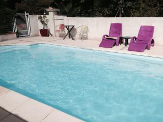 Nice Villa with Internet Access and Patio - Cuges-les-Pins vacation rentals