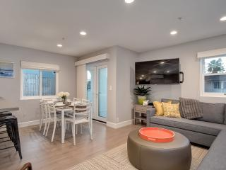 New! Modern Pier Bowl Condo, blocks to beach! - San Clemente vacation rentals