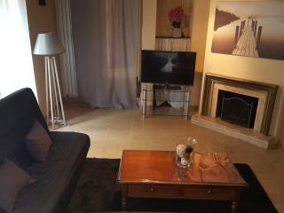 2 bedroom Condo with A/C in Saint-Montan - Saint-Montan vacation rentals