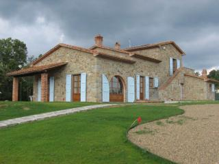 Villa Fiorentina, - Tuscan Villa, Private Pool, with Climate Control - Castiglion Fiorentino vacation rentals