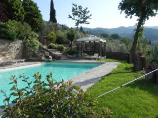Villa Maria,  Nonna - 2 bedroom cottage /apartment with lovely pool - Castiglion Fiorentino vacation rentals