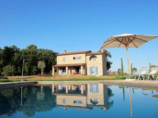 "Casa Sophia di Brolio - Lovely Tuscan Villa for 8 + Guests, Everything ""Just So..."" - Castiglion Fiorentino vacation rentals"