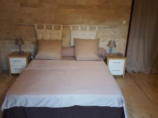 Chambre d'hôtes de 2 à 4 personnes - Saint-Montan vacation rentals