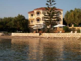 Bright Apartment in Kypseli with A/C, sleeps 4 - Kypseli vacation rentals