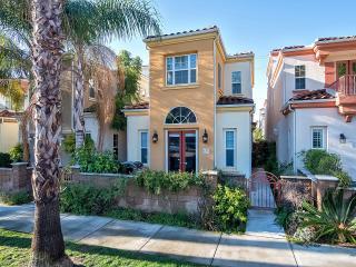 Just blocks to Oceanside Pier! Spacious home! - Oceanside vacation rentals