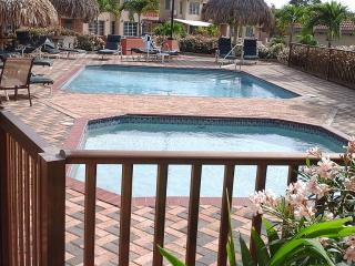 Gated Condo Minutes From Beautiful Palm Beach - Noord vacation rentals